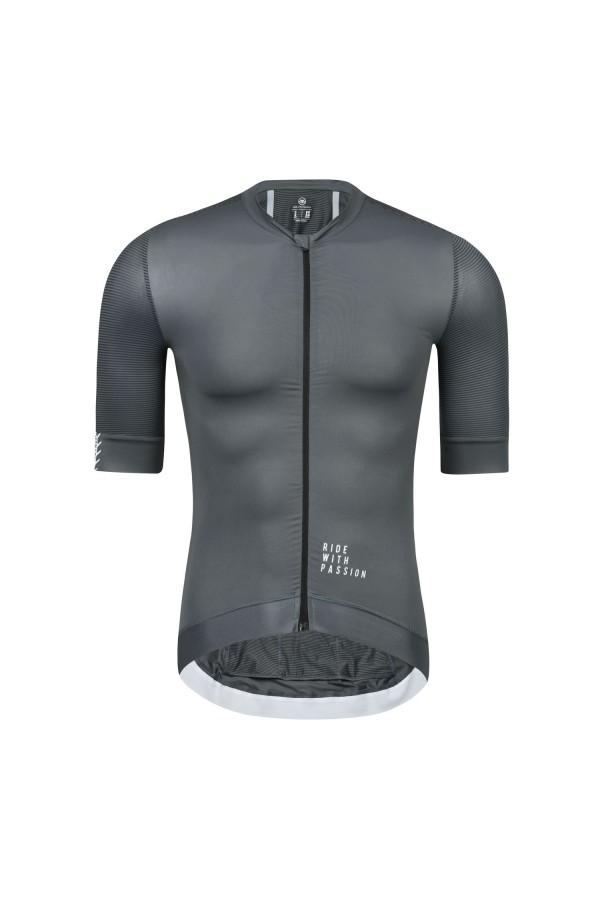 gray cycling jersey