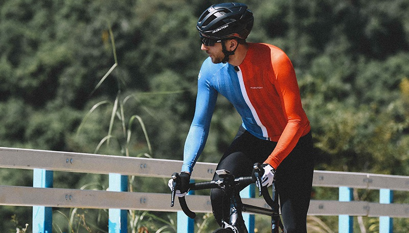 Long sleeve cycling top for summer