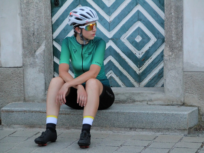 green cycle jersey