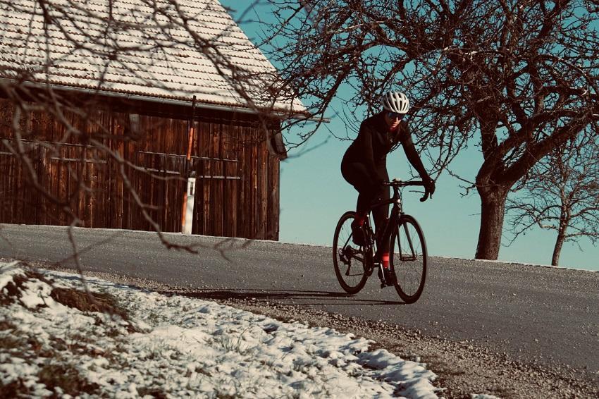 womens thermal cycling jacket