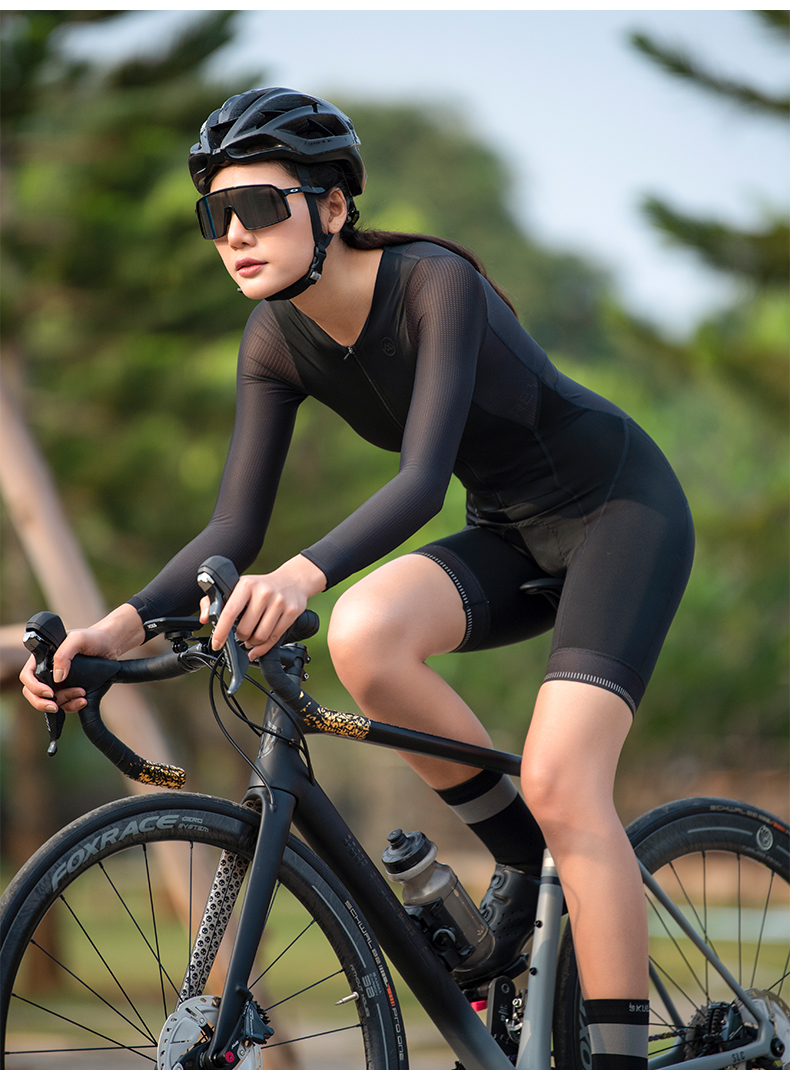 cycling skinsuit with pockets