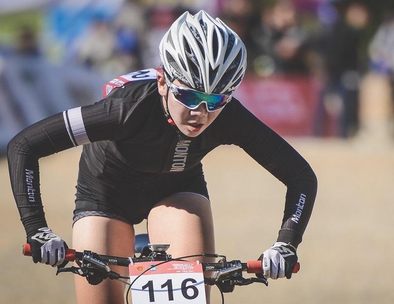 women's cycling clothing