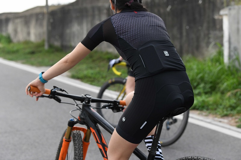 Plain black cycling jersey