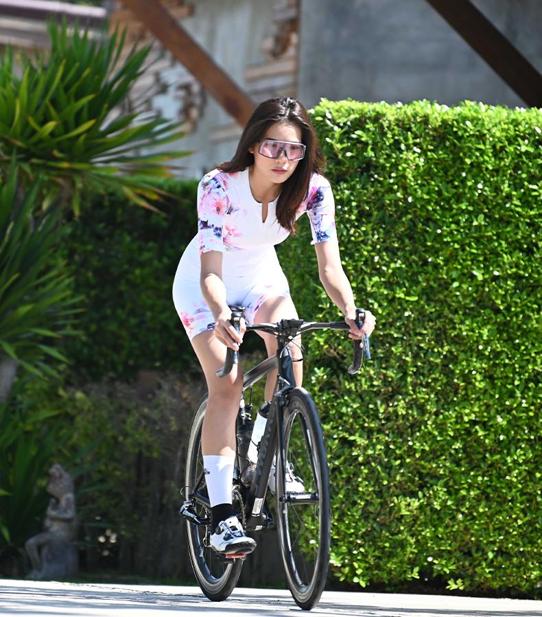 women's short sleeve cycling skinsuit