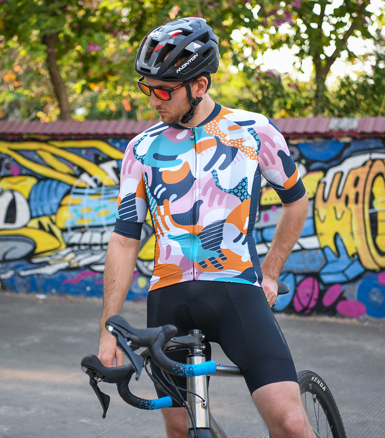 unique cycling kits