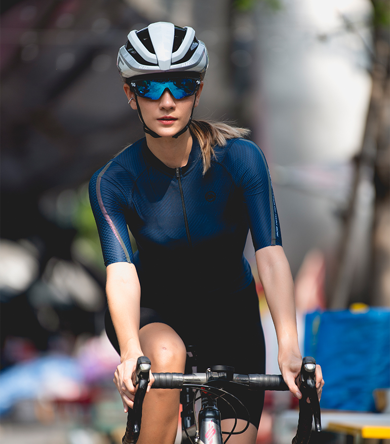 womens cycling clothing