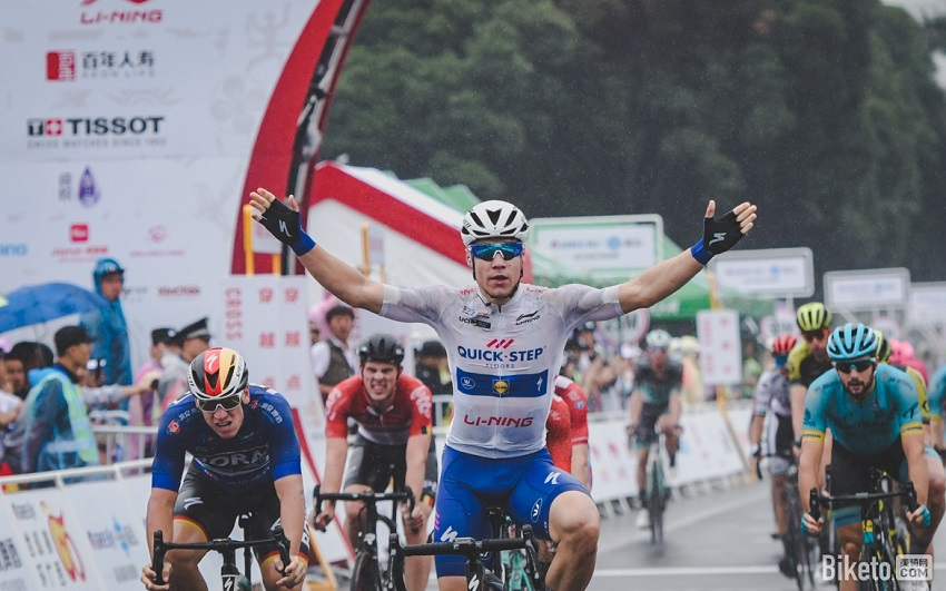 Fabio Jakobsen (Quick-Step Floors) wins stage 3 in Nanning