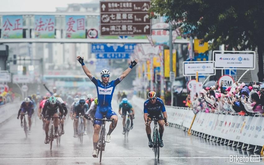 Fabio Jakobsen (Quick-Step Floors) wins stage 6